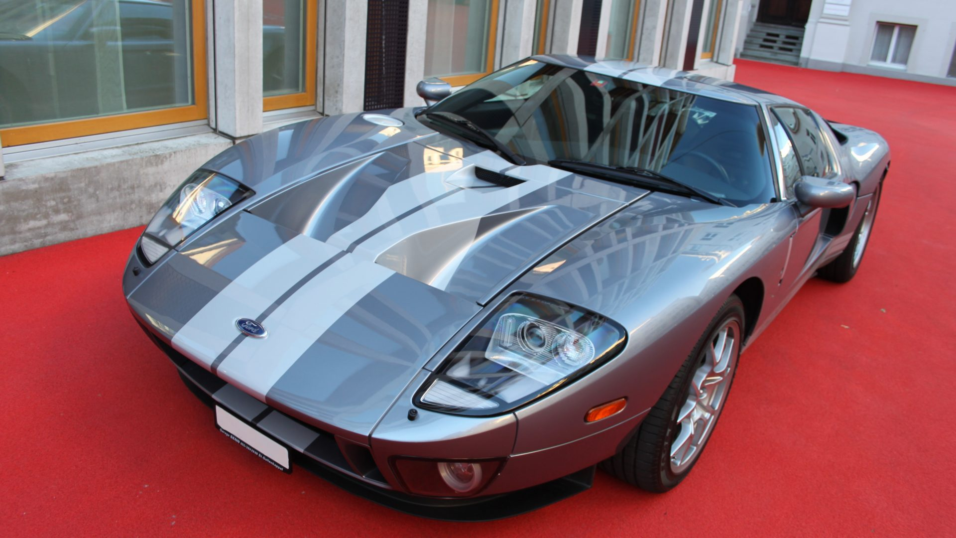 2005 Ford GT THE DRIVER